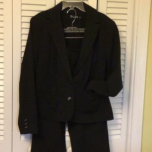 Black New York & company black suit in size 14